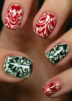 Make Yourself a New Year Nails Manicure
