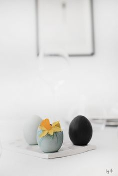 I like the minimalism Diy Easter Decorations, Diy Decoration, Easter Printables, Easter Crafts For Kids, Craft Party, Happy Holidays, Easter Eggs, Minimalism, Simple