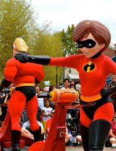 the incredables Disney Pixar, Disney Characters, Fictional Characters, Mrs Incredible, Marvel Women, Tigger, Vacations, The Incredibles, My Favorite Things