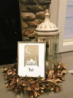 Simple and modern ways to decorate your home for Ramadan, including a paper flower wreath, beautiful prints, and a chalkboard of daily reminders. Ramadan Crafts, Ramadan Decorations, Light Decorations, Paper Flower Wreaths, Paper Flowers, Islamic Decor, Geometric Poster, Prayer Room, Trendy Tree