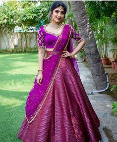 Party Wear Indian Dresses, Indian Gowns Dresses, Indian Bridal Outfits, Dress Indian Style, Indian Fashion Dresses, Wedding Lehenga Designs, Designer Bridal Lehenga, Kurti Designs Party Wear, Half Saree Designs