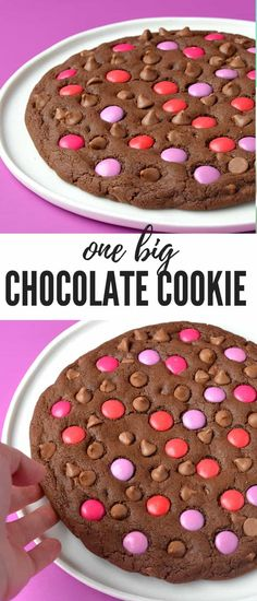 Make your loved one a Giant Chocolate Valentine's Day Cookie this year. Learn how to make one big chocolate cookie stuffed with chocolate chips and topped with colourful Smarties candy. Find the recipe on Sweetest Menu Big Chocolate, Homemade Chocolate, Chocolate Desserts, Chocolate Chip Cookies, Chocolate Chips, Chocolate Frosting, No Bake Treats, Yummy Treats, Sweet Treats