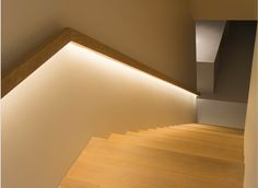 Modern Stairways Design Ideas With LED Lighting Staircase Handrail, Stair Railing, Staircase Design, Stair Lighting, Interior Lighting, Lighting Design, Cove Lighting, Interior Stairs, Interior Architecture