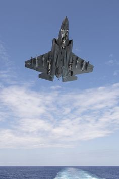 https://flic.kr/p/LesZo5 | F-35C Development Test III | An F-35C Lightning II on USS George Washington (CVN-73) during F-35C Development Test III. Lockheed Martin photo by Michael D. Jackson. Learn more: lmt.co/2byldPY.