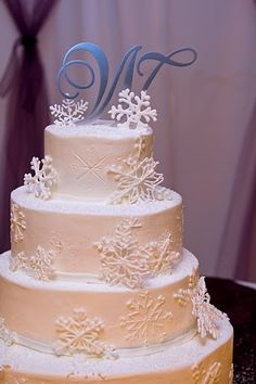 My beautiful winter snowflake wedding cake!