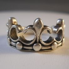 Vintage Sterling Silver Crown Ring Size 11 from Suzy's Timeless Treasures on Ruby Lane