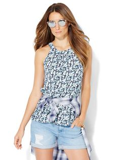 Shop Open-Back Halter Blouse - Floral Print. Find your perfect size online at the best price at New York & Company.