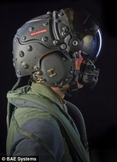The 'virtual reality' fighter pilot helmet that can see in the dark - and knows exactly where its wearer is looking   Mail Online
