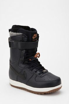 nike snowboarding boots For my man! Winter Hiking, Winter Fun, Beach Volleyball, Nike Zoom, Snow Boots, Winter Boots, Mountain Biking, Snow Wear, Snowboarding Outfit