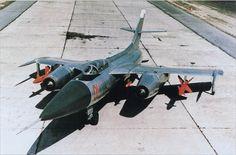 El Yakovlev Yak-28 fue un bombardero bimotor turborreactor con ala en flecha fabricado por la oficina de diseño soviética Yakovlev entre 1959 y 1972.