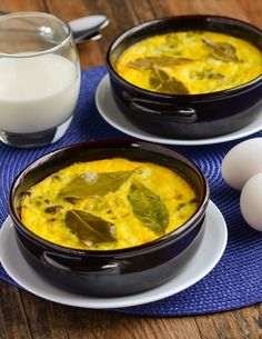 South African Bobotie- ground meat and fruit seasoned with Indian spices topped with custard. Dutch Oven Recipes, Egg Recipes, Gourmet Recipes, Beef Dishes, Tasty Dishes, Food Dishes, Jamaican Recipes, Curry Recipes, Bobotie Recipe South Africa