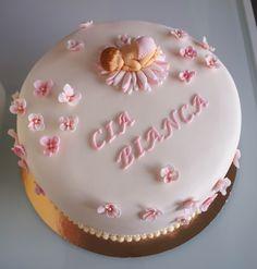 Name revealing cake for a little baby girl <3 Nimiäsjuhlan kakku pienelle tytölle! Birthday Cake, Baking, Desserts, Recipes, Food, Cook, Tailgate Desserts, Birthday Cakes, Deserts