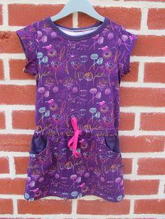 Mamadammeke. Fabric: Dear Betsie Flowers jersey, Els Vlieger for Kersenpitje Belgium