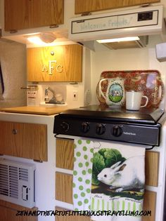 There seems to be no set rule on how I cook in this little space.  Originally, I thought I wouldn't use the inside kitchen much — lingering odors, confined spaces, etc.–but exper…