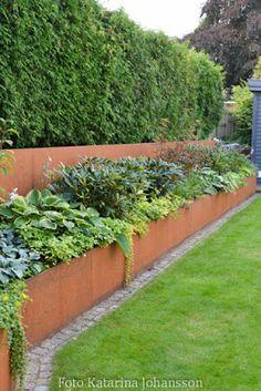 Corten Steel Planter Bench - All For Garden Terrace Garden, Garden Spaces, Garden Beds, House Landscape, Landscape Design, Backyard Patio, Backyard Landscaping, Sloped Backyard, Planter Bench