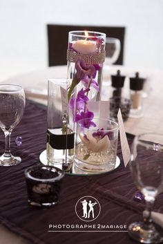 Centre de table noir/violet/strass/moderne/orchidées Centerpiece black/purple/bling/modern/orchids