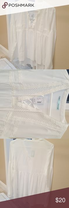NWT Maurices White Peasant Blouse sz S NWT Maurices White Peasant Blouse sz S.  Never worn.  Slight high low hem as seen in pictures. Very cute Maurices Tops Blouses