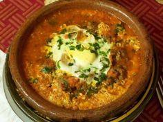 Een oorspronkelijk recept uit Marokko voor tajine met gehaktballetjes...hij was indrukwekkend, erg lekker en de bereiding is snel en eenvoudig.