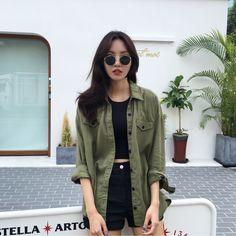 Korean Street Fashion - Life Is Fun Silo Korean Girl Fashion, Korean Fashion Trends, Korean Street Fashion, Asian Fashion, Look Fashion, Trendy Fashion, Ulzzang Fashion Summer, Korean Fashion Summer Casual, Fashion Black