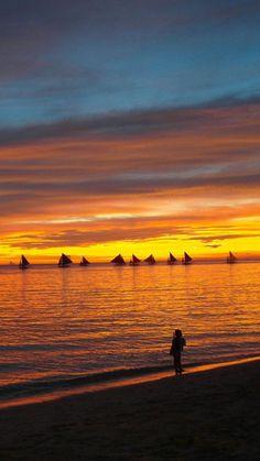Sunset walk along the beach England Winter, Beautiful Sunrise, Beautiful Scenery, Sailing Adventures, See The Sun, Ocean Sunset, Beautiful World, Fotografia, Sunrises
