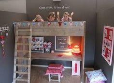 Steigerhout on pinterest bureaus met and vans - Hoogslaper met geintegreerde garderobe ...