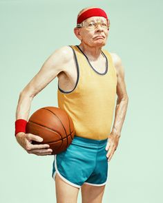 In his series 'the golden years', Los Angeles-based photographer Dean Bradshaw has captured hilarious scenes of elderly men and women in the midst of super sport, wrestling, lifting weights and playing an intense game of basketball. Basketball Photography, Sport Photography, People Photography, Photography Series, Portrait Photography, Wedding Photography, Basketball Fotografie, Pink Lila, Poses Photo