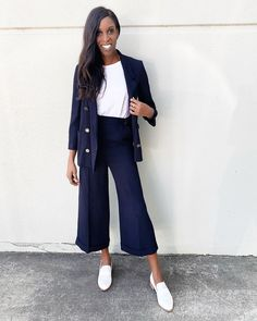 Navy blazer coordinates | For more style inspiration visit 40plusstyle.com