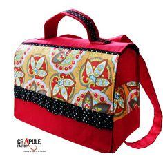 CArtable / sac à dOs Maternelle chic Bohème . Rouge et fleur orné de froufou à pois / chic - fait main - français - CréAtion : CrApule FActOry