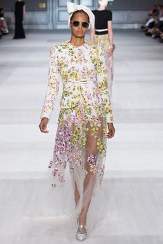 One of my favorite looks from Giambattista Valli Fall 2014 Couture Collection