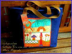 Bolsa em lona de algodão lavada, com trabalho em patchwork na frente da bolsa. Forrada com tecido de algodão pré lavado, bolso interno. Pagamento depósito bancário + frete R$180,00
