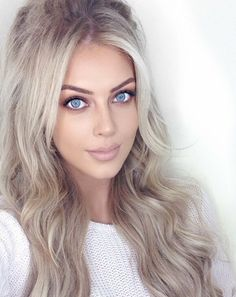 Most Beautiful Eyes, Gorgeous Eyes, Oval Face Hairstyles, Pretty Hairstyles, Long Platinum Blonde, Gorgeous Blonde, Blonde Women, Cute Beauty, Blonde Balayage