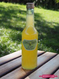 citrónový sirup a lekvár Natural Make Up, Baking Recipes, Food And Drink, Canning, Drinks, Bottle, Lemon, Makeup, Syrup