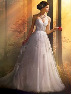 The Snow White wedding gown from the Alfred Angelo Bridal Collection Disney Inspired Wedding, Disney Wedding Dresses, Wedding Dresses Photos, Wedding Dress Styles, Wedding Disney, Princess Wedding, Disney Weddings, Snow White Wedding Dress, White Dress