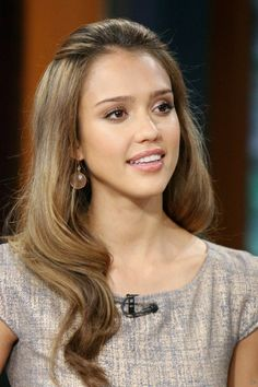 Long Atrractive Jessica Alba Natural Light Brown 18 Inches Top Quality Synthetic Hair