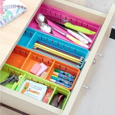 VANORIG® Stylish Design 4 Pieces Set (3 Large ,1 Small) Plastic Drawer Storage Cabinets Kitchen Expendable Grid Drawer Organizer Tray Case Divider Storage Boxes