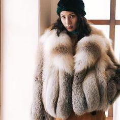 Fox Fur Coat, Fur Fashion, Faux Fur, Sexy Women, Fur Jackets, Asian, Lush, How To Wear, Coats