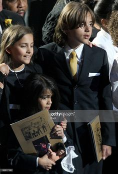 Prince Michael (age 12), Paris (age 11) and Blanket Jackson (age 7) in July 2009