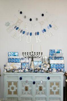 Hanukkah Decoration Ideas Fresh 14 Festive Hanukkah Décor Ideas Of July Feliz Hanukkah, Hanukkah Crafts, Hanukkah Decorations, Hanukkah Menorah, Christmas Hanukkah, Hannukah, Happy Hanukkah, Hanukkah 2019, Jewish Crafts