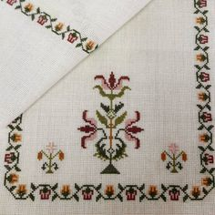 - Just DIY Cross Stitch Borders, Cross Stitch Patterns, Pinterest Cross Stitch, Hand Embroidery Design Patterns, Organic Art, Free To Use Images, Crochet Bookmarks, Cross Stitch Needles, Simple Embroidery