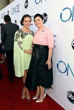 Bailee Madison and Ginnifer Goodwin at Once Upon a Time season 4 premiere