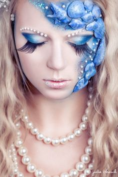 I thought this was an interesting portrayal for mermaid makeup. Especially with the pearl accents.