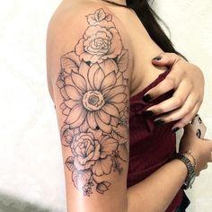 Shoulder Tattoos For Females, Arm Tattoos For Women Upper, Butterfly Tattoos For Women, Upper Arm Tattoos, Shoulder Tattoos For Women, Shoulder Arm Tattoos, Best Tattoos For Women, Small Tattoos, Cool Tattoos