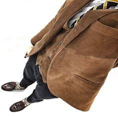 2017/03/09 08:41:01 chikii2525 2017.03.09☀️ 昨日の格好。※合成ではありません 光の反射で背景が綺麗な白に(^.^) Shirt : #gitmanvintage Jacket : #brooksbrothers Tie : #brooksbrothers Shoes: #alden #tasselLoafer Pants : #siviglia Belt : #jabezcliff #オールデン #ブルックスブラザーズ #コードバン #アメトラ #menstyle #menlook #fashion #ootd #menswear #mensfashion #fashion #instafashion #お洒落な人と繋がりたい #お洒落さんと繋がりたい #todaylook #おしゃれさんと繋がりたい #梅田 #今日の服 #ファッション #cordovan #タッセル #ジャケパン