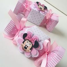 Festa minnie rosa... #festapersonalizada #scrabook #scrapfesta #silhouettecameo #scrap #aniversario #minnie #festaminnie #minnierosa #papelariapersonalizada