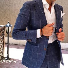 We love suits so much that we dedicate this board to incredible styles and icons www.memysuitandtie.com/#mensfashion#men#mens#suit#grey#blue#green#black#tie#shirt#gentlemen