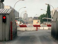 16 1984/6/3 Der Grenzübergang Prinzenstraße (LKW-Durchfahrt)  https://www.pinterest.com/pin/331788697528142485/