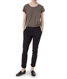 Betsy Chinos. Shop this and other women fall 2016 styles from Lexington Company on www.lexingtoncompany.com.