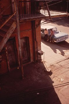 Danny Lyon. El Paso's Second Ward, a Chicano Neighborhood Which Is Losing Its Ethnic Flavor in the Wake of Urban Renewal  06/1972