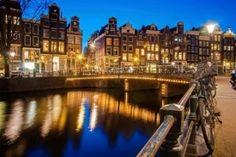 Se acerca el verano y toca buscar destinos turísticos pero si eres de los que el sol y playa les sabe a poco, puedes decantarte por un turismo más cultural y hacer una ruta por las ciudades más famosas de Bélgica: Bruselas y Brujas y una vez estés saciado de bombones descubrir los encantos de Holanda con una visita a Amsterdam, todo en hoteles de 3* o 4* y con vuelos incluidos. Aprovvecha para viajar este verano o cuando quieras con los cupones desceutno de CarpenDeal.