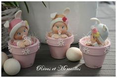 Cute idea for easter Polymer Clay Christmas, Cute Polymer Clay, Cute Clay, Polymer Clay Dolls, Polymer Clay Projects, Flower Pot Crafts, Clay Pot Crafts, Baby Cake Topper, Painted Clay Pots